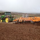 John Deere 9530T and one of our SL cultivators planting Spring Beans