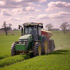 Spring fertiliser application on winter wheat